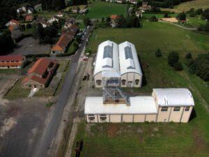 Le patrimoine bâtimentaire du musée de la mine, chevalement, magasins et douches